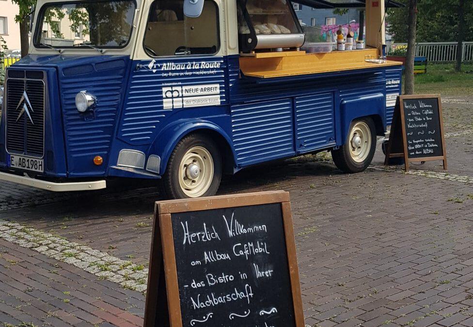 Das Allbau CaféMobil zu Besuch auf dem Storpplatz